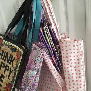 Accessories - Nine re-usable gift bags-cloth